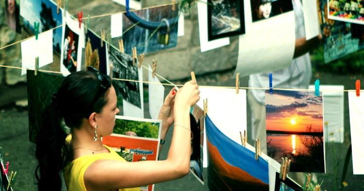 В Хабаровске проведут фотовыставку «на прищепках» .
