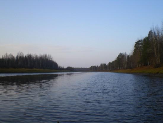 Выставка художественных картин и фотоснимков Енисея открывается в Красноярске.