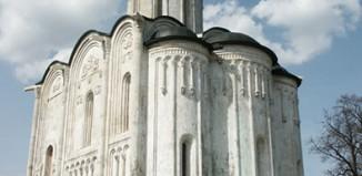 Кому удалось запечатлеть всю красоту лебедь-храма?